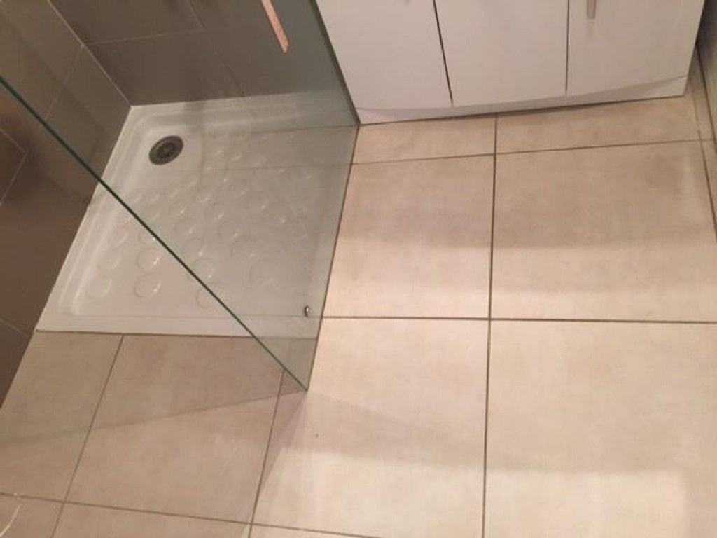 20 - Salle d'eau - 2 - Bac à douche