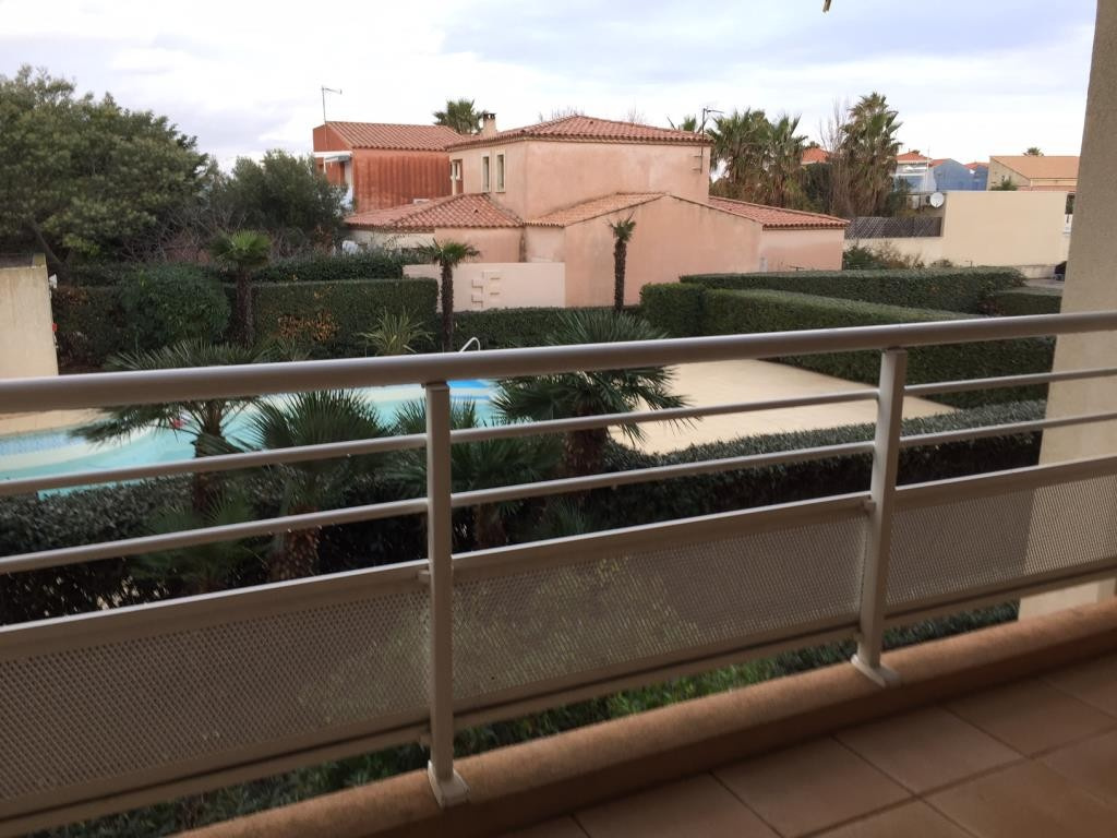 01 - Terrasse - Vue piscine