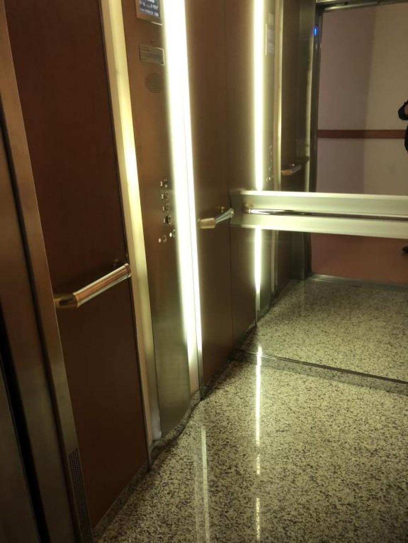 04 - Ascenseur - 01